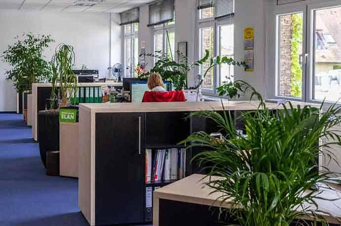 Großraumbüro ESTO IndustrieTechnik Stoltzenburg GmbH, Vertrieb und Großhandel
